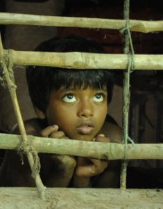 Of Father, Brothers and an Unholy Hunger – Looking at Kaaka Muttai and Sahaj Pather Gappo